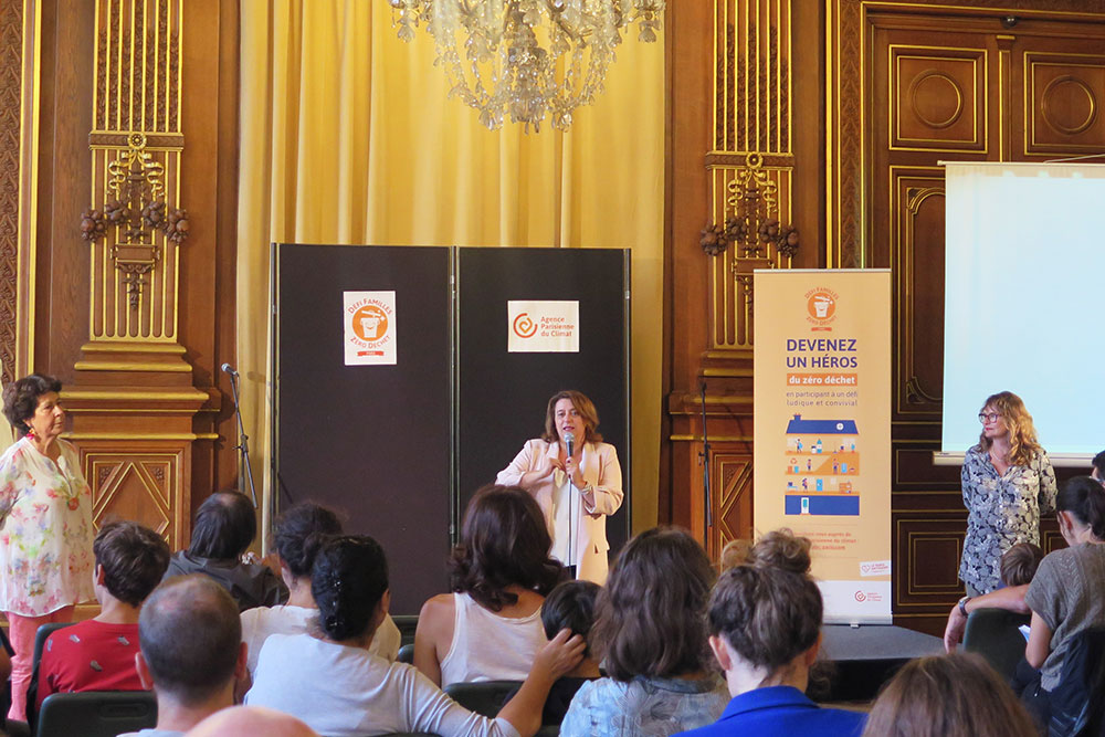 Lancement du défi à l'Hôtel de Ville, en présence d'Antoinette Guhl