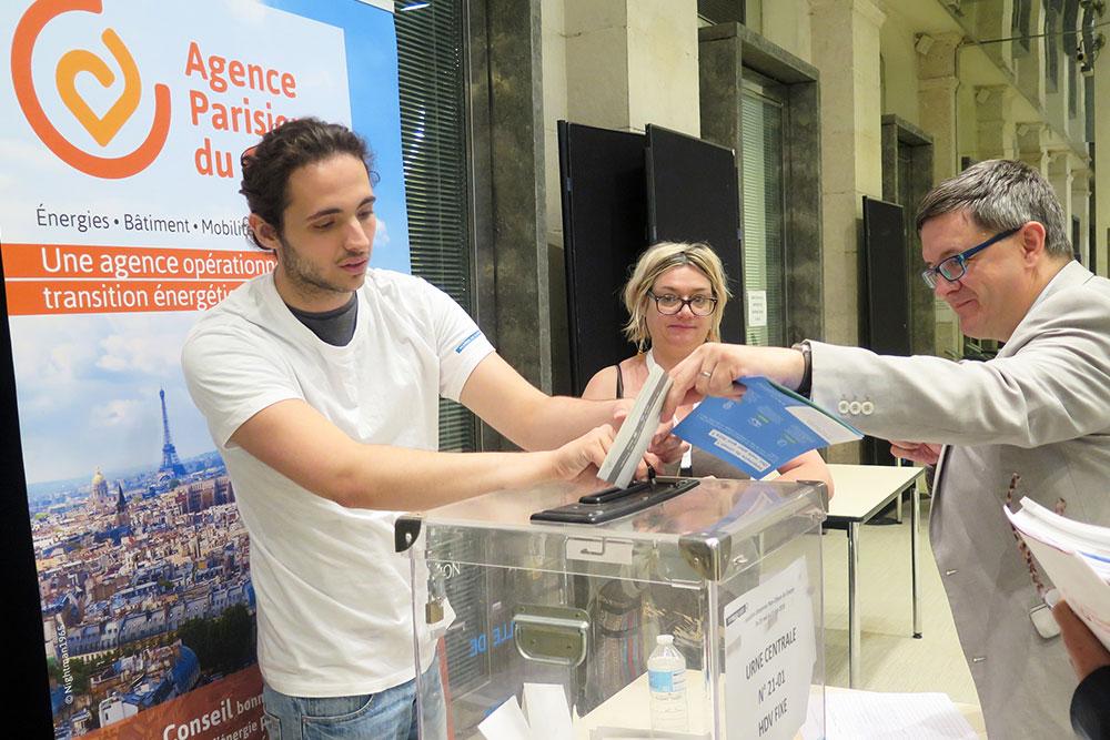 Denis Peyrat, GRDF, vote pour le Plan Climat à l'Assemblée Générale de l'APC